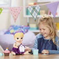 Baby Alive Narozeninová blonďatá panenka 4