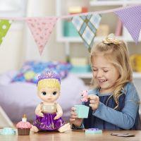 Baby Alive Narozeninová blonďatá panenka 5