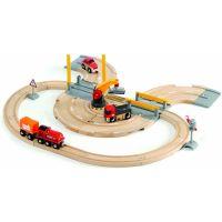 Brio Vláčkodráha s nákladním vlakem, závorami a silničním přejezdem 26 dílů