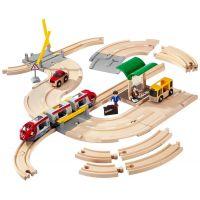 Brio Vláčkodráha s os. vlakem, závorami a silničním přejezdem 33 dílů 2