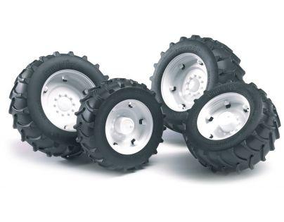 Bruder 02014 Dvojitá kola pro traktory řady 2000