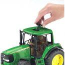 Bruder 02050 Traktor John Deere 6920 3