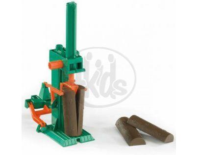 BRUDER 02339 - Štípačka dřeva + 4 špalky