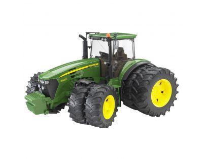 BRUDER 3052 - Traktor John Deere 7930 s dvojitými koly