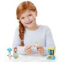 Hasbro Disney Frozen Little Kingdom Set malé panenky s příslušenstvím - Ice Skating Scene 3