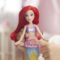 Hasbro Disney Princess panenka svítící Ariel do vody 4