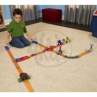 Hot Wheels Track Builder základní set - Explodující bouda 3