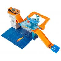 Hot Wheels Hrací sada Sky Base Blast