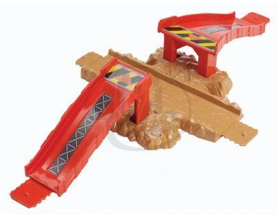 Hot Wheels Track Builder základní set - Malér na křižovatce