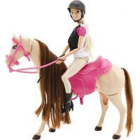 Kůň hýbající se a panenka žokejka