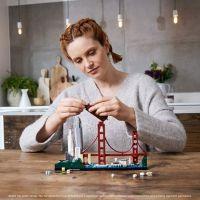 LEGO® Architecture 21043 San Francisco 6