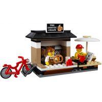 LEGO City 60097 Náměstí ve městě 6