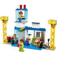 LEGO City 60261 Hlavní letiště 6