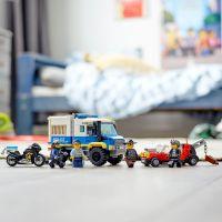 LEGO City 60276 Transportér pre väzňov 5