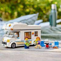 LEGO City 60283 Prázdninový karavan 5