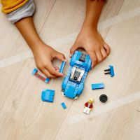 LEGO City 60285 Sporťák 4