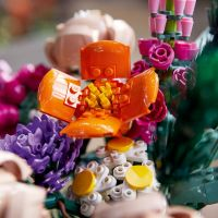 LEGO® Creator 10280 Kytice 6