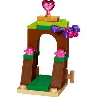 LEGO Disney příběhy 41143 Borůvka a její kuchyně 4