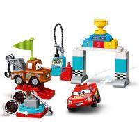 LEGO Duplo Cars TM 10924 Závodní den Bleska McQueena 3