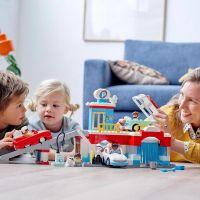 LEGO® DUPLO® Town 10948 Garáž a myčka aut 3