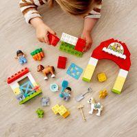 LEGO® DUPLO® Town 10951 Stajňa s poníkmi 4