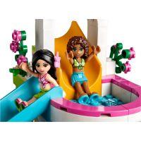 LEGO Friends 41313 Letní bazén v městečku Heartlake 6