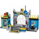 LEGO Juniors 10672 - Batman™: Obrana Betcave 2