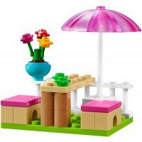 LEGO Juniors 10727 Emma a zmrzlinářská dodávka 6