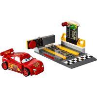 LEGO Juniors 10730 Vystřelovač Bleska McQueena 2