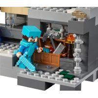 LEGO Minecraft 21124 Konečná brána 6