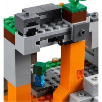 LEGO Minecraft 21141 Jeskyně se zombie 5