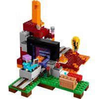 LEGO Minecraft 21143 Podzemní brána 2