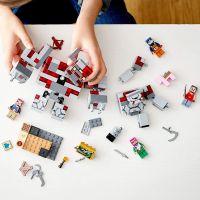 LEGO Minecraft 21163 Bitva o rudit 5