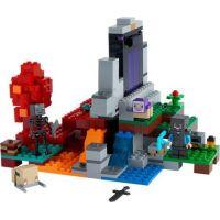 LEGO® Minecraft™ 21172 Zničený portál 2