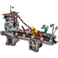 LEGO Super Heroes 76057 Spiderman Úžasný souboj pavoučích válečníků na mostě 4