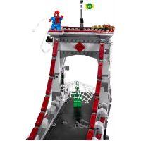LEGO Super Heroes 76057 Spiderman Úžasný souboj pavoučích válečníků na mostě 5