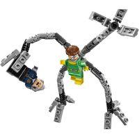 LEGO Super Heroes 76059 Spiderman Past z chapadel doktora Ocka 4