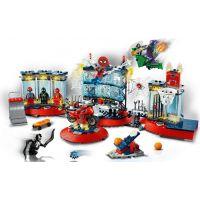 LEGO® Super Heroes Útok na pavúčí brloh 3