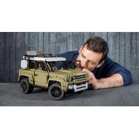LEGO Technic 42110 Land Rover Defender 2