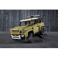 LEGO Technic 42110 Land Rover Defender 4