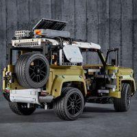 LEGO Technic 42110 Land Rover Defender 5