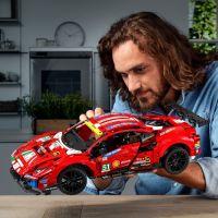 LEGO Technic 42125 Ferrari 488 GTE AF Corse 51 3
