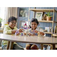 LEGO® Aj Disney Princess™ 43195 Kráľovské stajne Krásky a Rapunzel 3