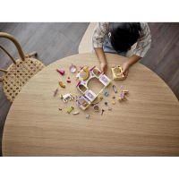 LEGO® Aj Disney Princess™ 43195 Kráľovské stajne Krásky a Rapunzel 4