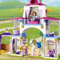 LEGO® Aj Disney Princess™ 43195 Kráľovské stajne Krásky a Rapunzel 6