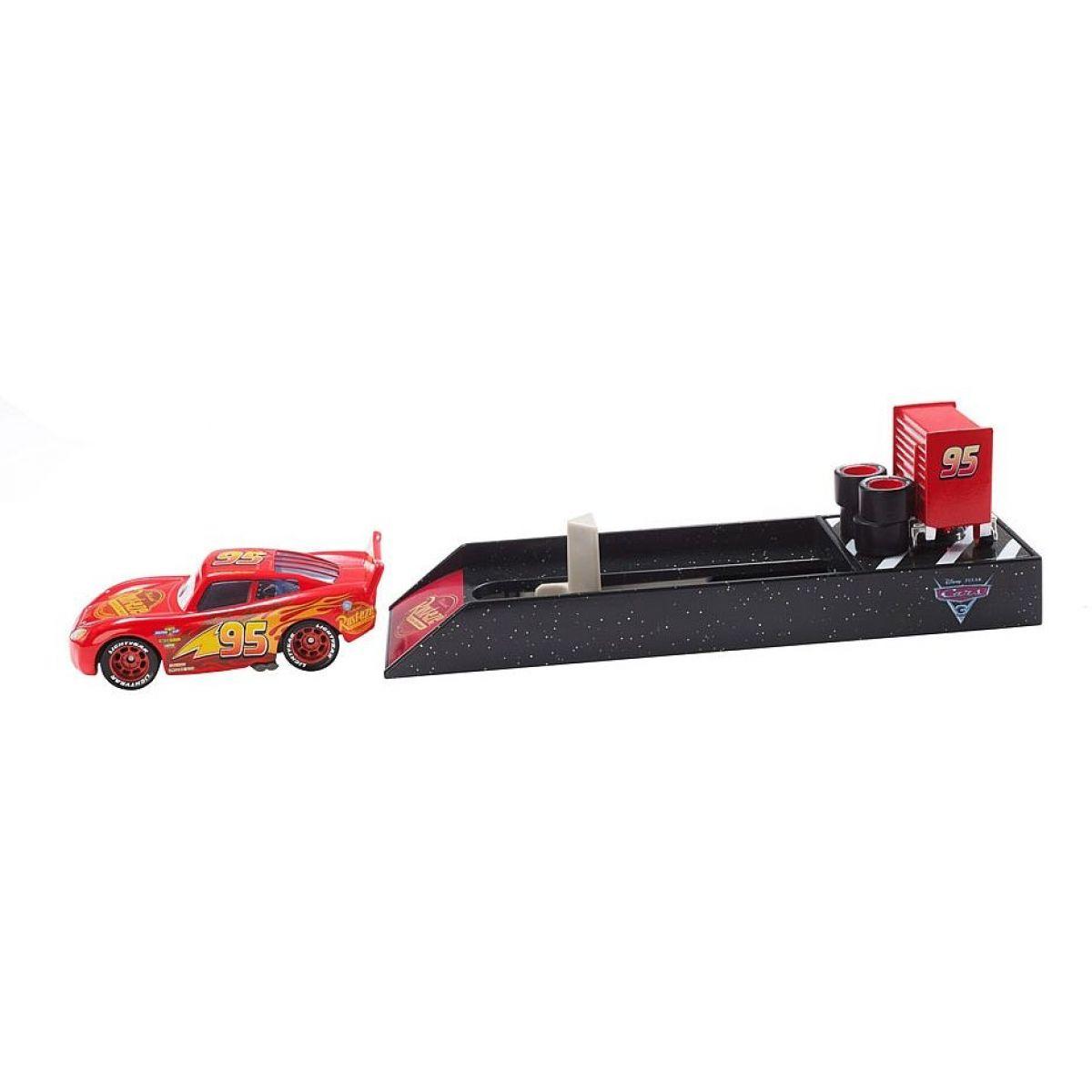 Mattel Cars 3 Vystřelovač s autíčkem Blesk McQueen