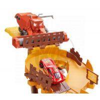 Cars Útěk před Frankem (Mattel CDR37) 4
