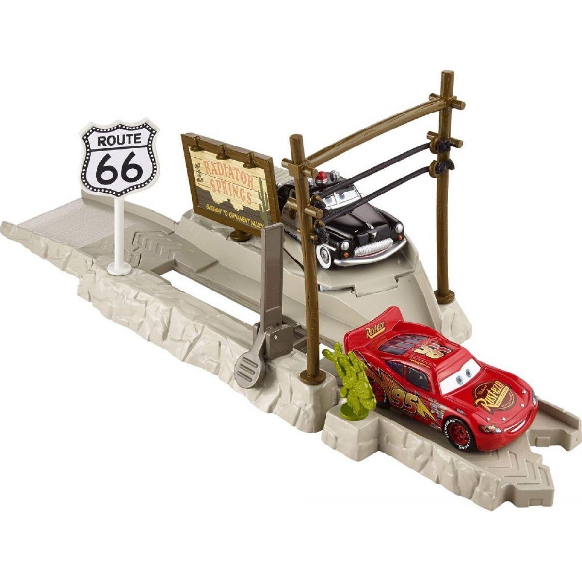 Mattel Cars Vystřelovač - Highway Hideout