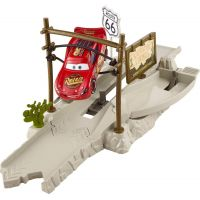 Mattel Cars Vystřelovač - Highway Hideout 3
