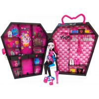 Mattel Monster High Draculaura a skříň 2